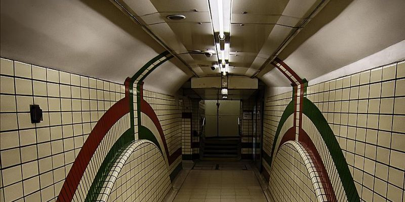 londen-picadilly-circus-metro1C1A19BE7-1F91-40C8-93AF-322236E86340.jpg